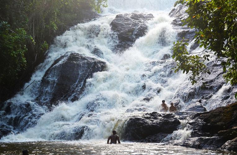Cachoeira da Usina, Itacaré, Bahia - em época de cheia. Foto: badini.com.br