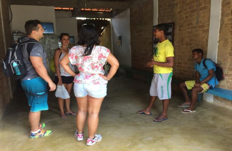 Recebendo as primeiras instruções na base da Planeta Rafting, em Taboquinhas, Bahia.