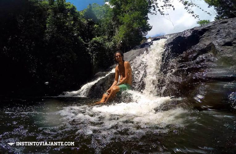 Relaxando na cachoeira da Usina, em Itacaré, Bahia.