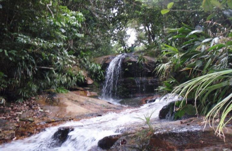 Cachoeira da Praia Brava, Trindade, Paraty, RJ, Brasil