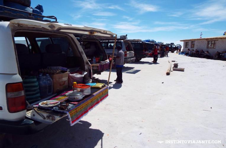 Jipes lado a lado para o almoço | Dia 1 no Deserto de Sal