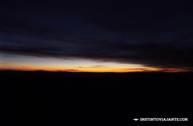 amanhecer deserto de sal salar de uyuni bolivia