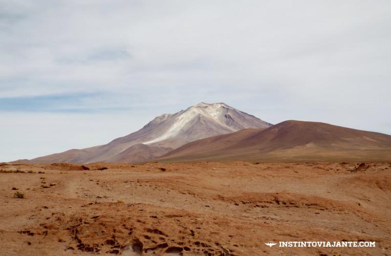 mirante vulcao ollague salar de chiguana tour deserto de sal bolivia instinto viajante
