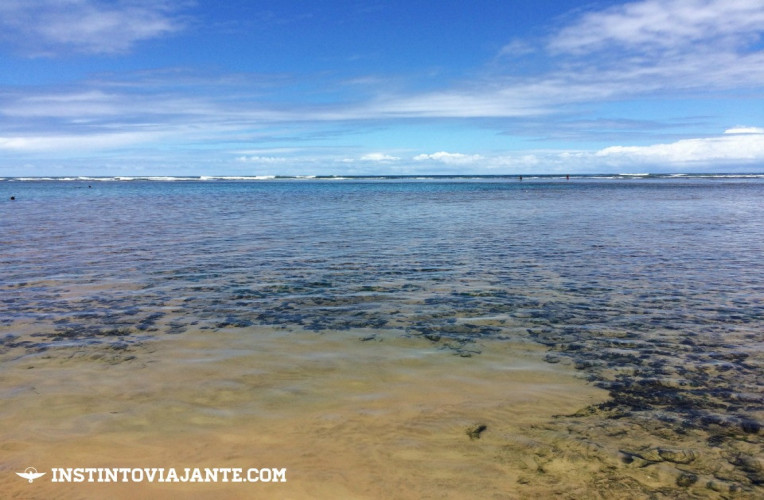 Mar e corais na praia de Taipu de Fora, Península de Maraú, Bahia.