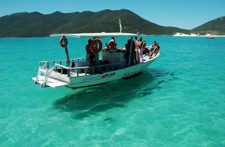 Serviço de barco de passeio em Arraial do Cabo-RJ