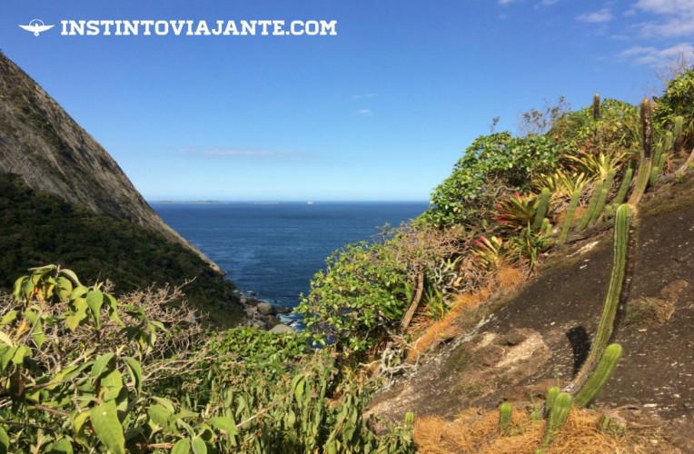 Visão do Oceano Atlântico na trilha