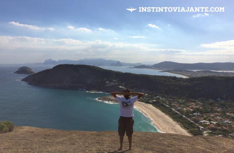 Mirante principal do Costão de Itacoatiara, com vista para as praias de Niterói e cidade do Rio