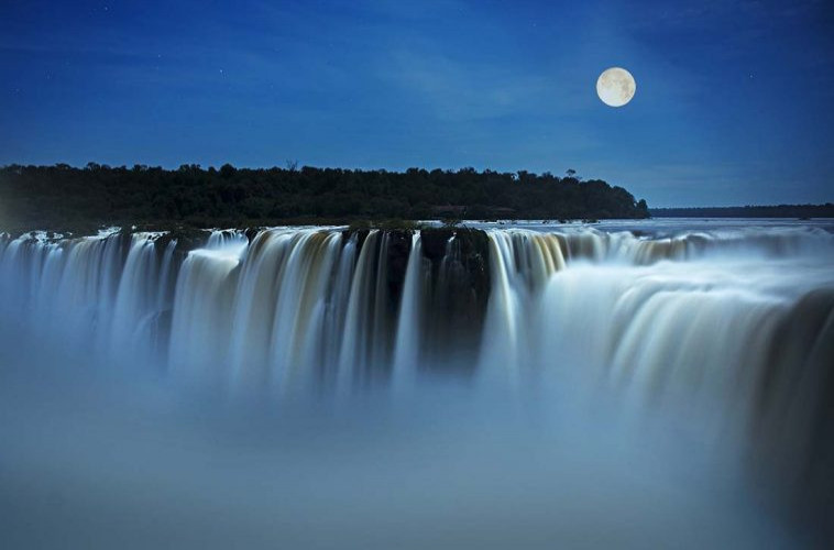 passeio noturno cataratas de iguazu lua cheia