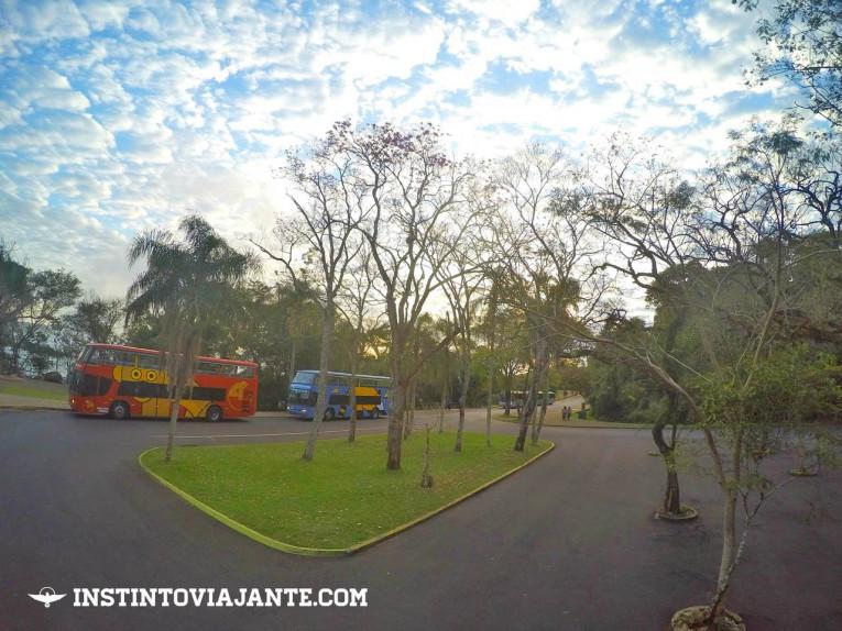 Ônibus do Parque Nacional do Iguaçu que conduz aos passeios e cataratas.