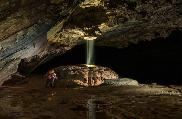 Chuveirão dentro da Caverna Temimina