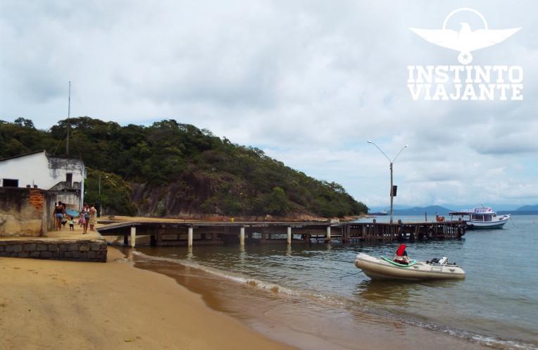 Píer na parte esquerda da Praia de Matariz