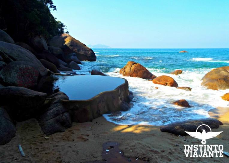 Cairuçu das Pedras e a piscina de água natural, em Paraty, RJ