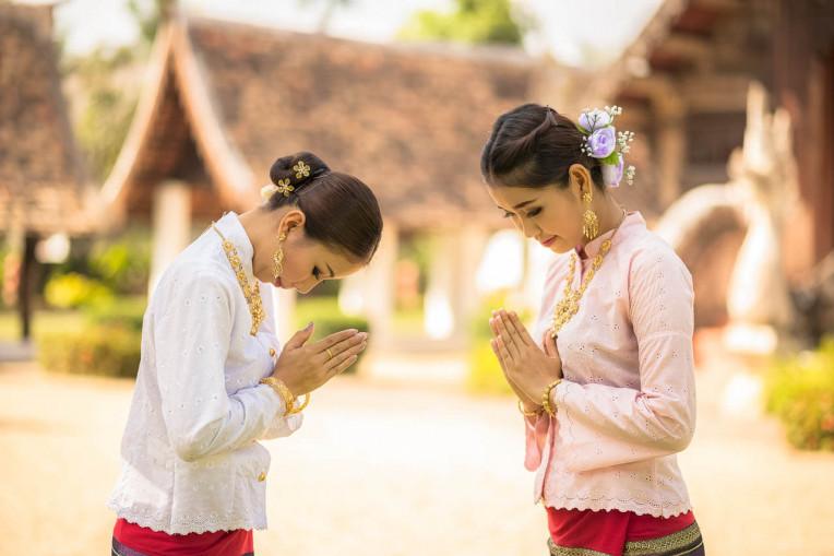Wai - cumprimento na tailandeses