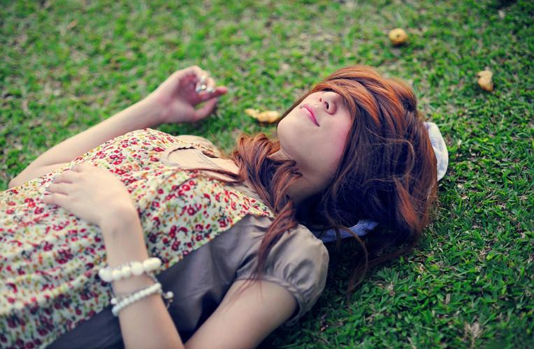 dormir na grama instinto viajante