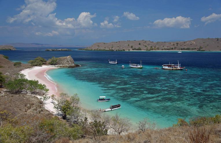 Melhores Lugares Indonésia - Pink Beach - Ilha de Komodo - Pantai Merah
