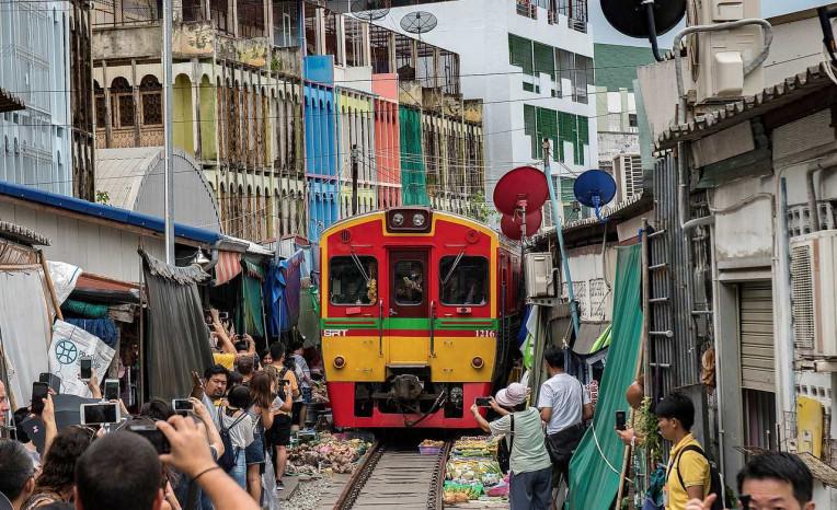 Mercado do Trem Maeklong - Bangkok - Maeklong Railway Market