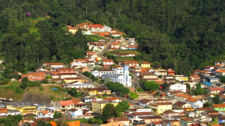Melhores Lugares para Viajar em Minas no Inverno - Gonçalves-MG