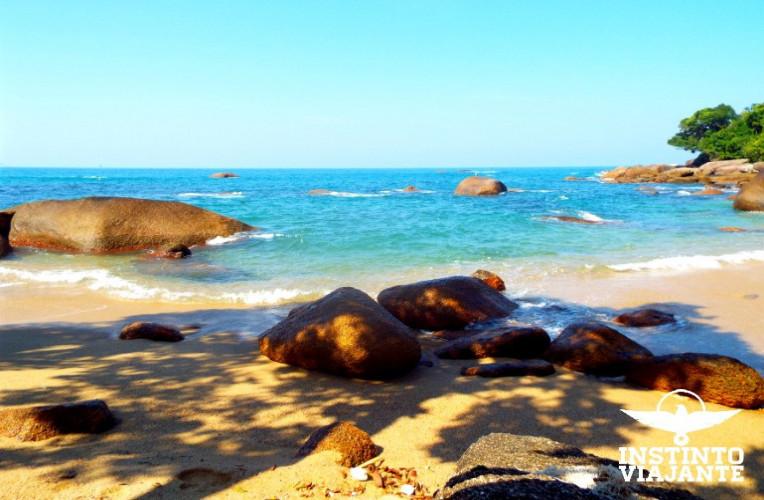 Praia de Cairuçu das Pedras, na Travessia da Juatinga, Paraty-RJ.
