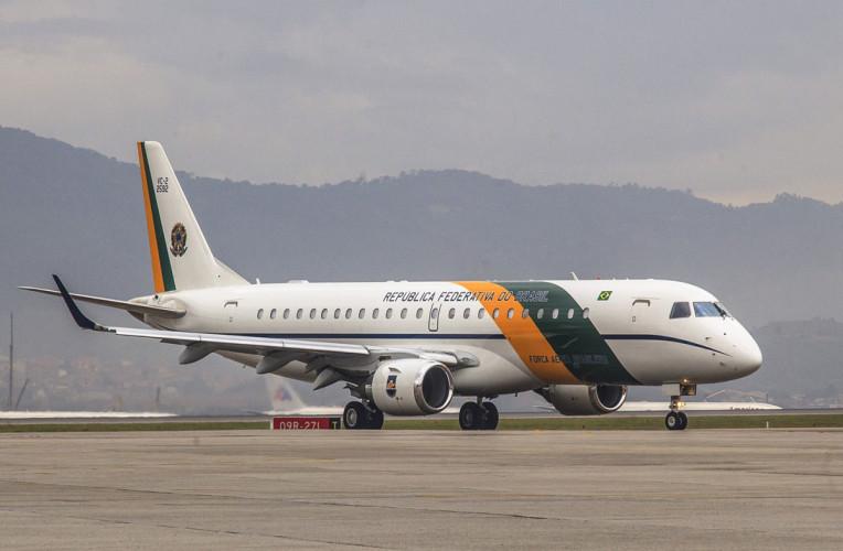 Viajar de graça nos aviões da FAB - Correio aéreo nacional