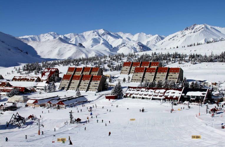 Imagem aérea do centro de esqui La Leñas em Mendoza