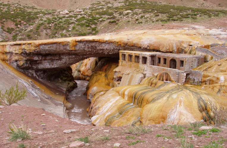 Capela do povoado Puente del Inca