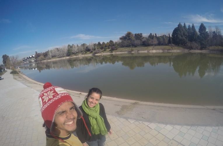Bernardo e Isabela no Parque San Martin, Mendoza, Argentina